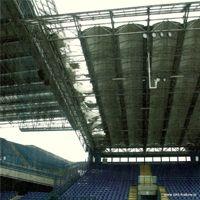 Kraków: Spadły elementy dachu na stadionie Wisły!