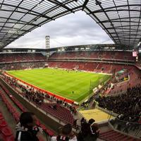 Niemcy: Święta na stadionie? W Kolonii tłumy
