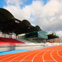 Łomża: Stadion wciąż pęka, na szczęście na gwarancji