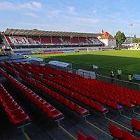 Nowe stadiony: Regensburg, Hildesheim, Siegburg