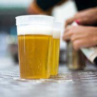 Ekstraklasa: Pierwszy sezon z piwem już prawie wszędzie