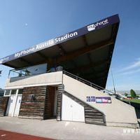 Nowe stadiony: Hall i Salzburg