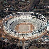 Chorzów: Wykonawca zerwał kontrakt na Śląski, prace znów ruszą za rok