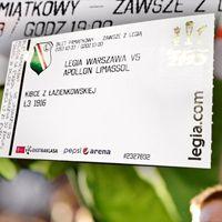 Warszawa: Legia zapełnia pusty stadion