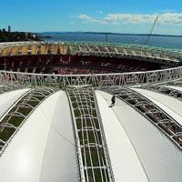 """Porto Alegre: """"Palmowa"""" membrana zainstalowana na Beira-Rio"""