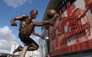 Londyn: Bergkamp ma pomnik na Emirates