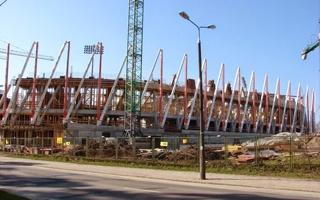Białystok: Prokuratura śledzi, budowa idzie naprzód