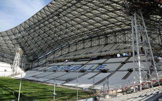 Marsylia: Wielka kopuła nad Vélodrome już samonośna