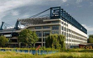 Kraków: Obraźliwe hasła na stadionie i w centrum szkoleniowym Wisły