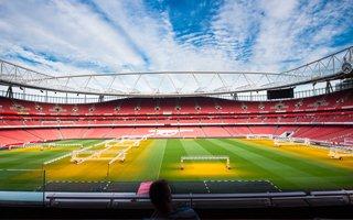 Premier League: Kluby zawyżają frekwencję? Większość