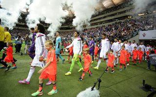 Echa Super Meczu: Cisza, dwóch Ronaldo i fatalna murawa