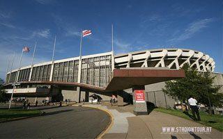 Waszyngton: RFK Stadium się sypie? Przybywa apeli o wyburzenie