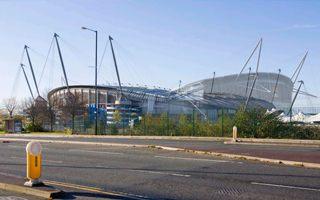 Manchester: Zobacz Etihad Stadium przed i po przebudowie!