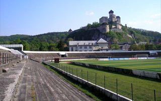 Słowacja: Burzenie stadionu w Trenczynie rozpoczęte