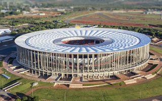 Brazylia: Stadion narodowy biurowcem i zajezdnią autobusową