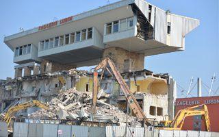 Lubin: Resztka Stadionu GOS znika z powierzchni ziemi