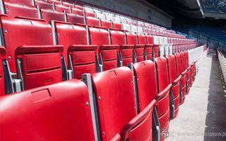 Kraków: Wyblakłe krzesełka znikają z Reymonta