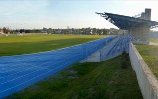 Zambrów: Nie mogą grać na nowym stadionie, bo stoi woda