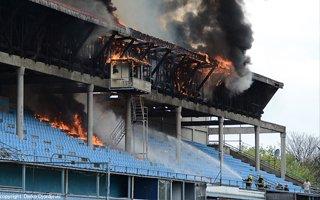 Belgrad: Stadion Radu w płomieniach