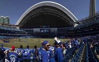 Nowe stadiony: Dwa razy Toronto i raz Montreal