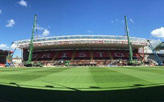 Bristol: Dach wschodniej trybuny podniesiony