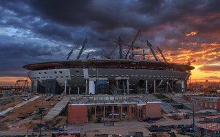 Petersburg: Konstrukcja dachu Zenit Areny gotowa