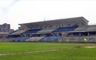 Nowe stadiony: Hunedoara, Petroszany, Jassy, Botoszany