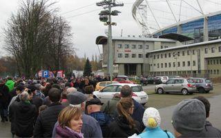 Chorzów: Tłumy na Śląskim, nie wszyscy weszli