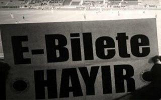 Turcja: Kibice wygrali, obalili karty kibica