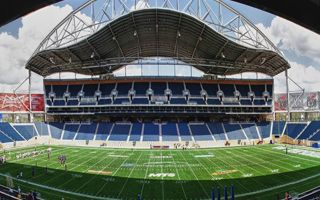 Kanada: Stadion w Winnipeg wciąż drożeje