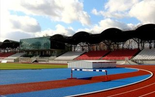 Łomża: Stadion czeka na naprawy, a gwarancja wygasła