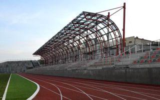 Nowe stadiony: Barcin, Szczecinek i Uniejów