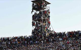 Nigeria: O krok od tragedii, zapełnienie stadionu – 160%!