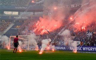 Finał Pucharu Polski: Był ogień i dużo dymu. Został smród