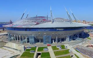 St. Petersburg: Wykonawcy się zmieniają, bałagan zostaje