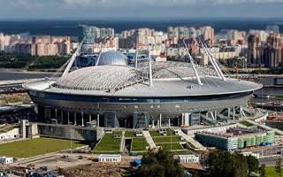 Sankt Petersburg: Dach na Zenit Arenie zaczął się ruszać