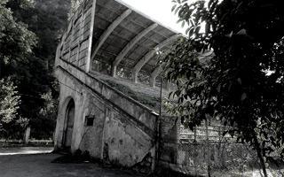 Nowy stadion: Prawdziwy żywy trup z Gruzji