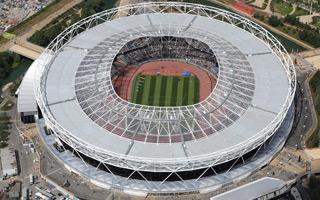 Londyn: Lepiej byłoby zburzyć Olimpijski?
