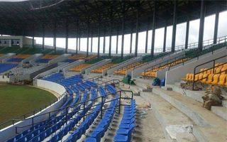Gabon: Budują stadion, a obok nie ma prądu i wody