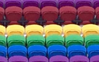 Orlando: Tęczowe krzesełka dla ofiar strzelaniny
