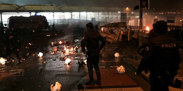 Stambuł: Zamach pod stadionem Beşiktaşu