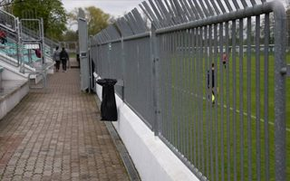 Szczecinek: Wysokie ogrodzenie musi zniknąć