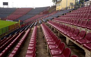 Szczecin: Co zrobią z tysiącami prawie nowych krzesełek?