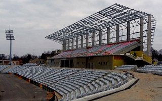 Kalisz: Stadion ma pół roku opóźnienia
