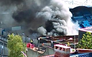 Francja: Pożar w trakcie rozbiórki stadionu w Hawrze