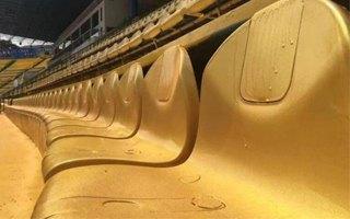 Chiny: Pomalowali stadion na złoto, by przyniósł szczęście