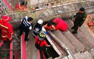 Boliwia: Koszmarny wypadek, maszt zawalił się na widzów