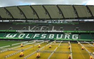 Wolfsburg: Zobacz, jak orkan rozhulał Volkswagen Arenę