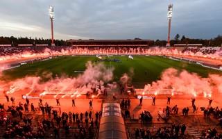 Niemcy: Kibice pożegnali się z Wildparkstadionem