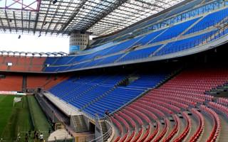 Mediolan: Przebudowa San Siro czy nowy stadion?